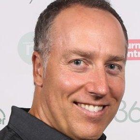 Gino Côté, coach en gestion de véhicules d'occasion